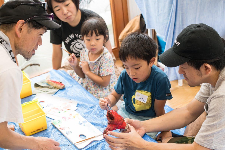 病気や障がいをもつお子さんとその家族、同じ地域に暮らす人と一緒に居心地がよくてご機嫌な日。「海の日」にマルシェを開催しました。